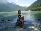 girl_lake